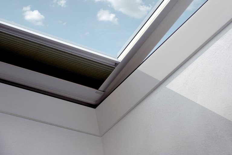 Velux FMG Штора-плиссе с электроприводом для зенитного окна (1)