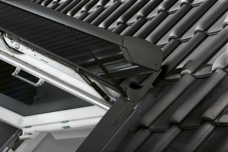 SSL Velux Роллета (рольставни) на солнечной батарее (5)