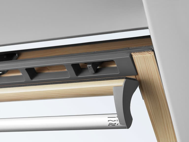 GPL 3068 VELUX Премиум, Панорамное мансардное окно (Ручка снизу)