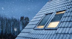 мансардные окна зимой