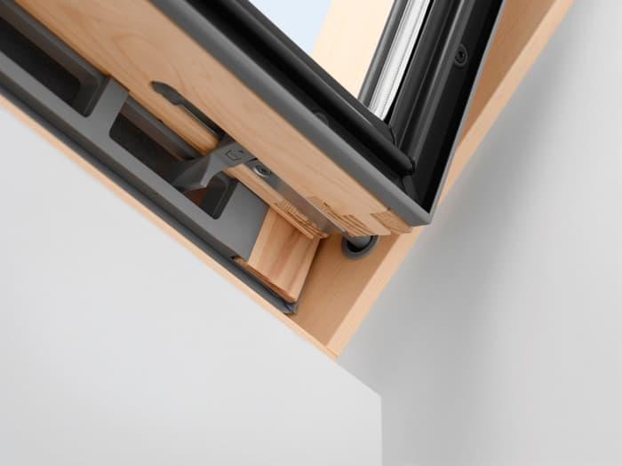 Защелка для фиксации окна